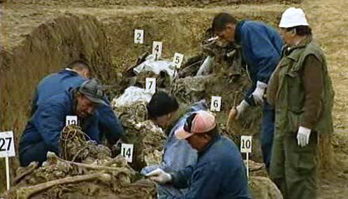 Hromadný hrob v Bosně