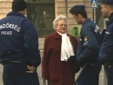 Maďarska policie při kontrole