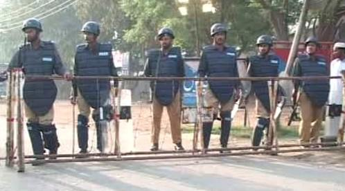 Pákistánská policie zadržela Naváze Šarífa