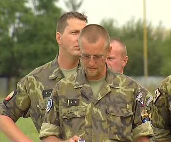 Čeští vojáci KFOR