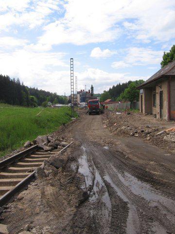 Rozkopaná stanice na trati Letohrad–Lichkov