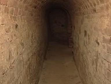 Jedna z chodeb josefovské pevnosti