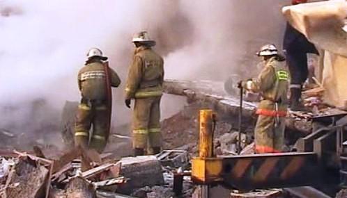 Trosky domu po explozi