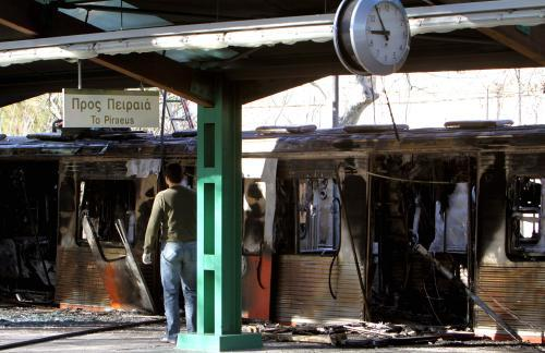 Požárem zničené řecké metro