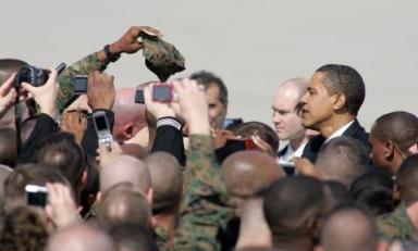 Barack Obama a američtí vojáci
