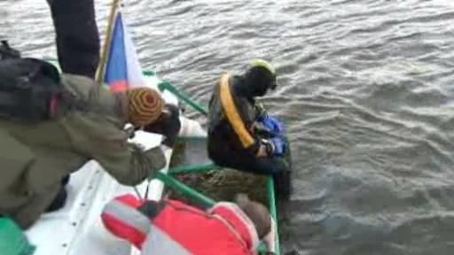 Potápěči mapují torza Juditina mostu