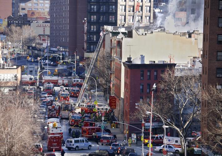Hasiči likvidují požář v New Yorku