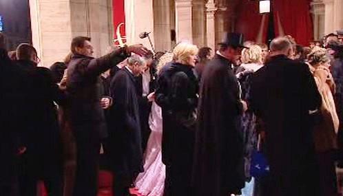Návštěvníci Plesu v Opeře