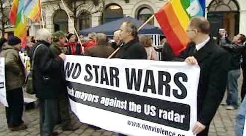 Protest proti radaru v Bruselu