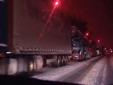 Sníh na silnicích v okolí Třince