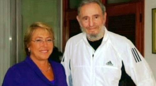 Michelle Bacheletová a Fidel Castro