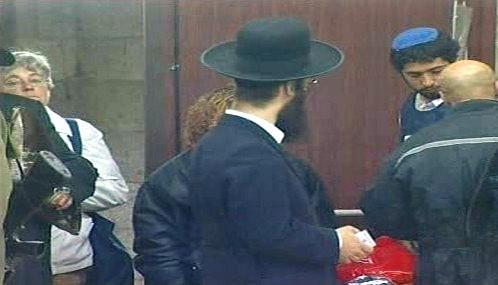 Izraelci míří do volebních místností