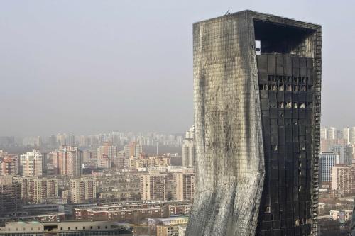 Vyhořelý pekingský hotel Mandarin Oriental