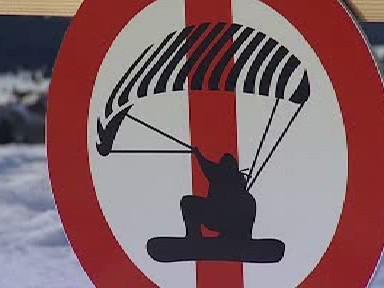Značka zakazující snowkiting
