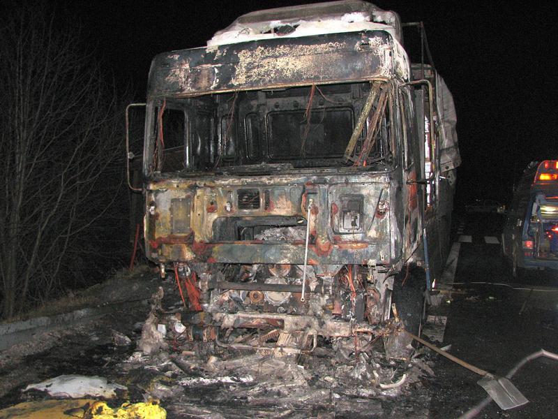 Tahač kamionu po požáru
