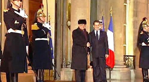 Mahmúd Abbás a Nicolas Sarkozy