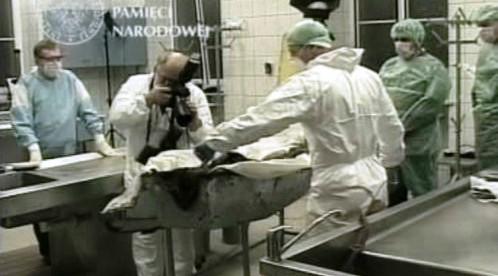 Zkoumání ostatků generála Sikorského