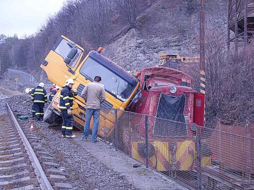 Srážka vlaku a nákladního auta
