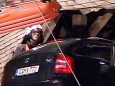 Auto na střeše