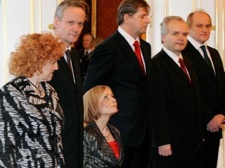 Nově nastupující ministři