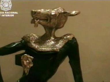 Zabavená socha Salvadora Dalího