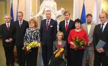 Noví a odcházející ministři