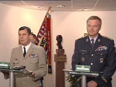 Generálové Bentégeat a Picek