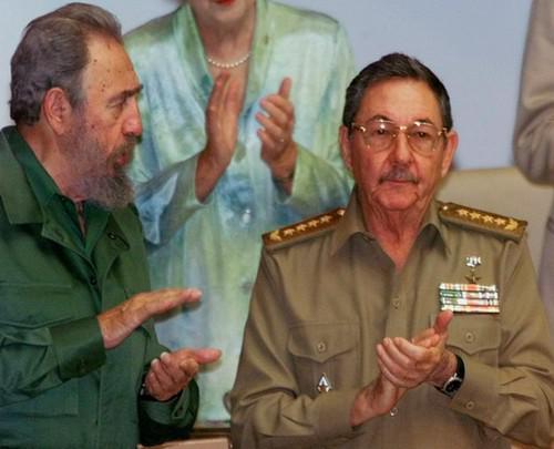 Fidel a Raúl Castro