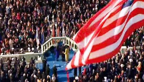 Barack Obama skládá prezidentský slib