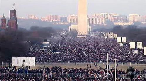 Davy lidí se shromažďují na prostranství Washington Mall