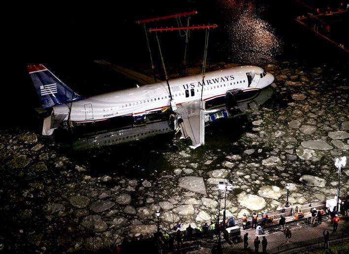 Vyzvednutí trosek letounu Airbus A320