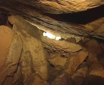 Pískovcová jeskyně