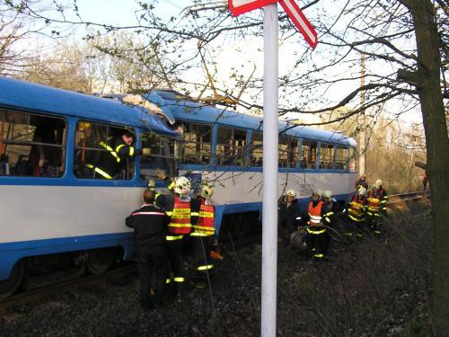 Záchranáři u nehody v Ostravě