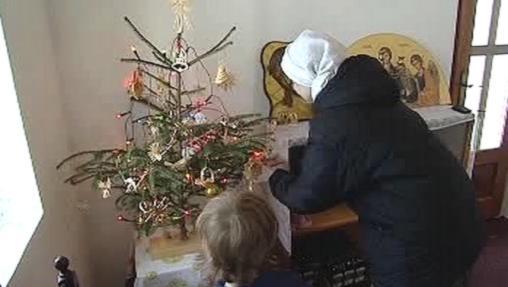 Zdobení vánočního stromku