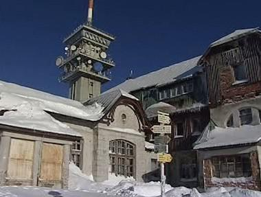 Uzavřený hotel na Božím Daru