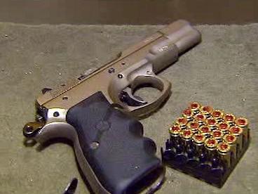 Automatická pistole