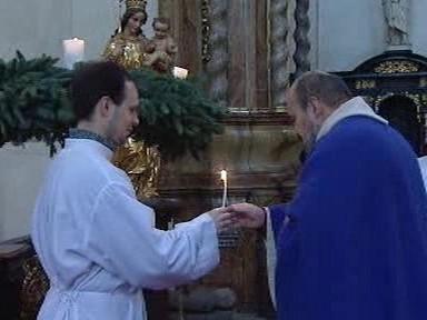 Zapalování adventní svíce