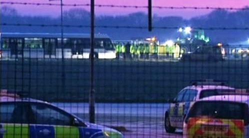 Protesty na letišti Stansted
