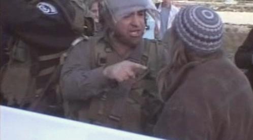 Izraelský policista při zásahu v Hebronu