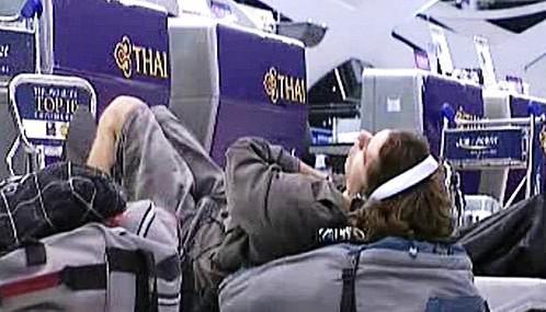 Blokáda letiště v Thajsku komplikuje život turistům