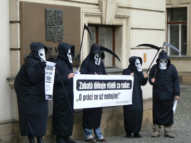 Demonstrace proti radarové základně