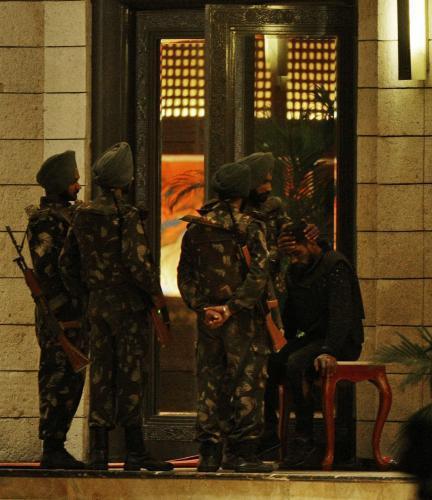 Indická armáda u hotelu Tádž Mahal