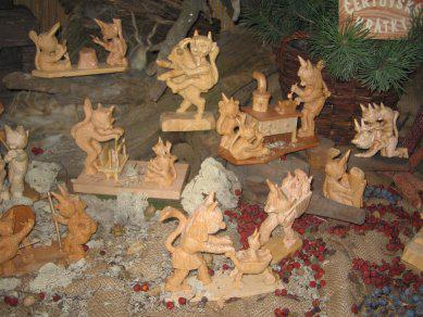 Figurky čertů na vánoční výstavě