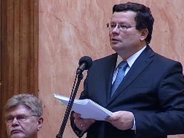 Alexandr Vondra u Ústavního soudu