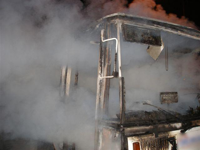 Hořící autobus