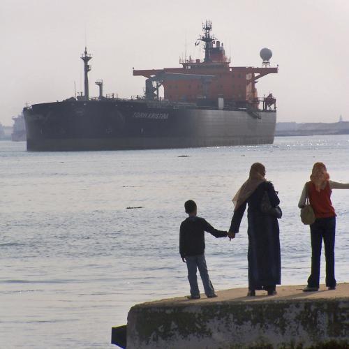 Lodě proplouvající Suezem se bojí pirátů
