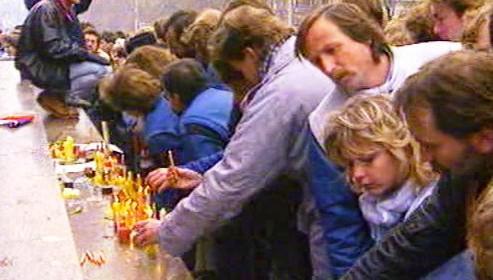 Připomínka obětí listopadu 1989
