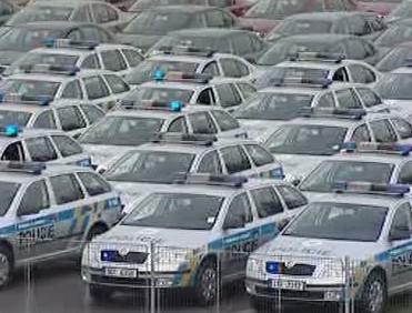 Přehlídka nových policejních aut