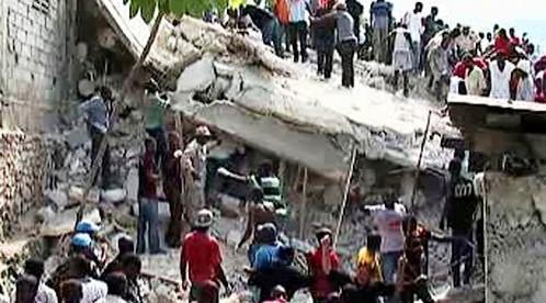 Zřícená škola na Haiti