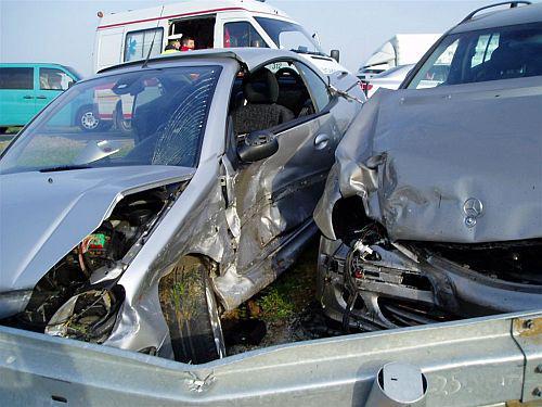 Auta po nehodě